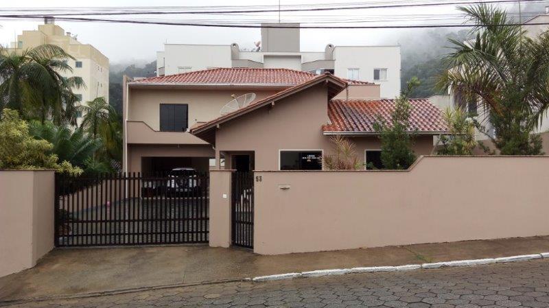 Sobrado à venda em Jaraguá do Sul no bairro Vila Nova – cód: 1857