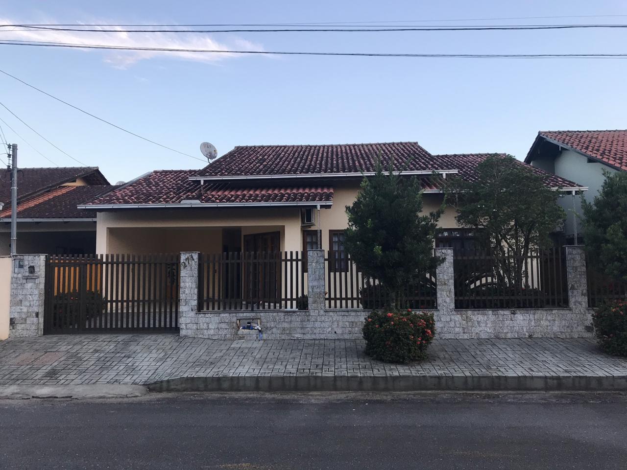 Casa à venda no Amizade em Jaraguá do Sul – cód: 1880