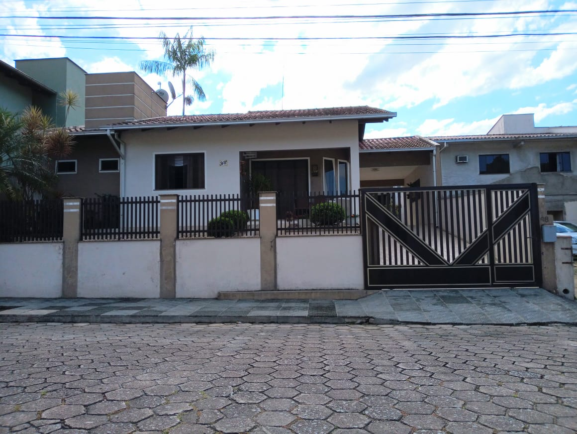 Casa à venda em Jaraguá do Sul SC – cód: 1906